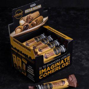 Box de 12 unidades de Arbanit, postre artesanal de cubanitos premium rellenos de pasta de avellana